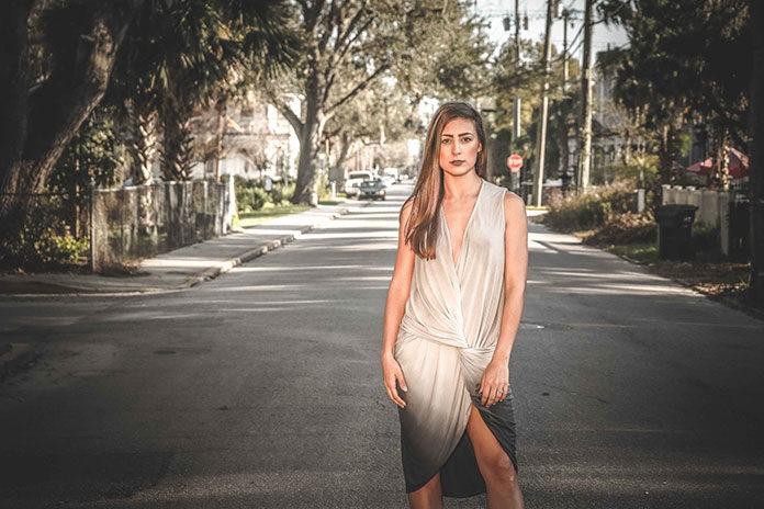 Sukienki asymetryczne – hit na nadchodzącego Sylwestra!