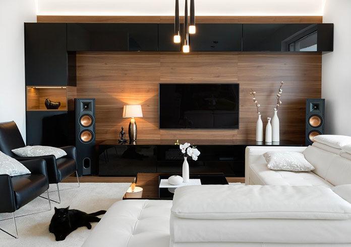 Sprytne sposoby na wpasowanie telewizora w wystrój salonu