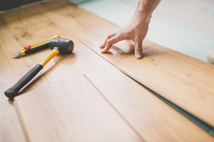 Ile kosztuje cyklinowanie podłogi?