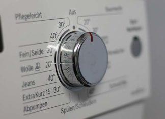 Wyposażamy domową pralnię. Co wybrać – pralkę czy pralko-suszarkę?