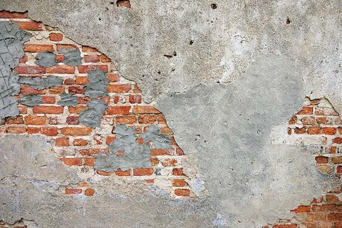 Jak wyrównać nierówne ściany? Czym wykończyć?