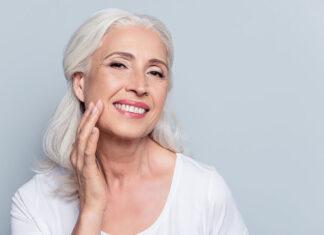 Kompleksowa pielęgnacja twarzy po 60 roku życia