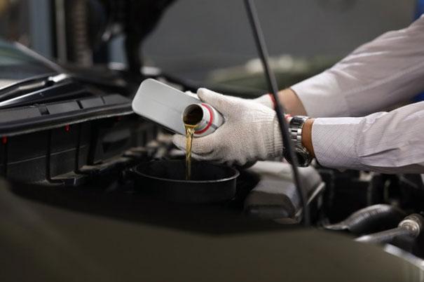 Najważniejsze środki uszlachetniające w olejach silnikowych