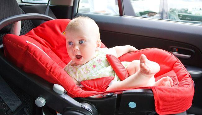 Foteliki samochodowe dla dzieci