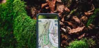 lokalizacja GPS na ekranie telefonu